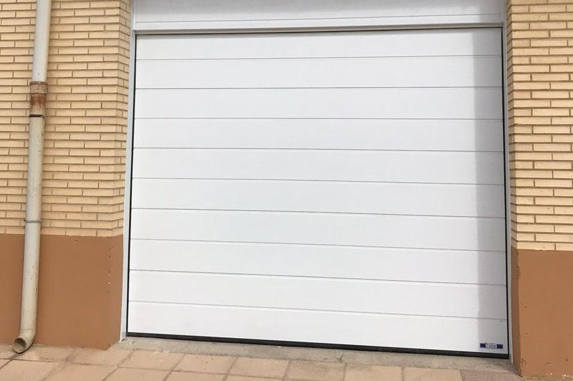 puerta-blanca-galeria-lafmar
