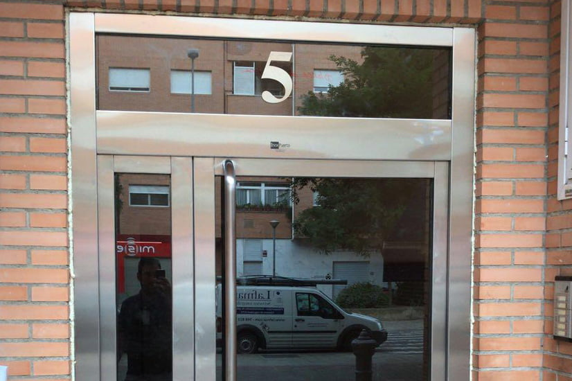 puerta-inox-galeria-lafmar